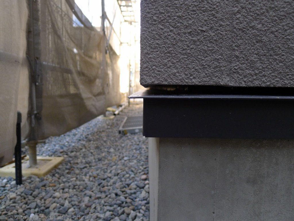 外壁の水切とベントキャップ 東山の家2 ブログ家山真建築研究室