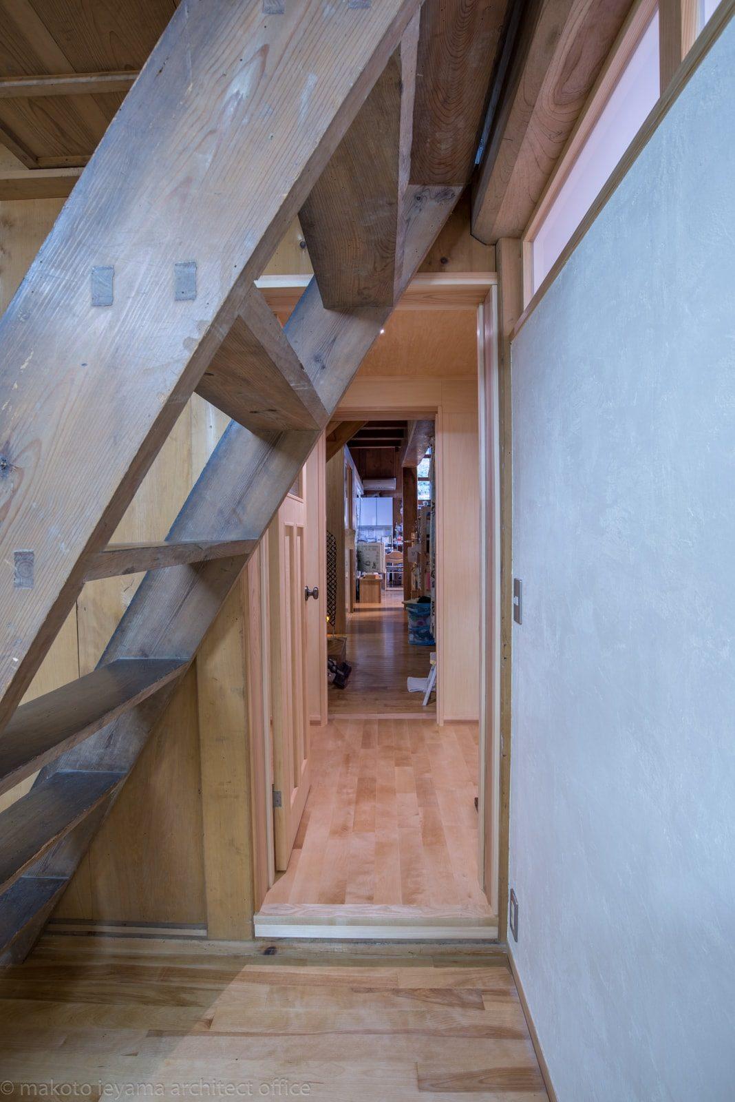 八幡の家 渡り廊下