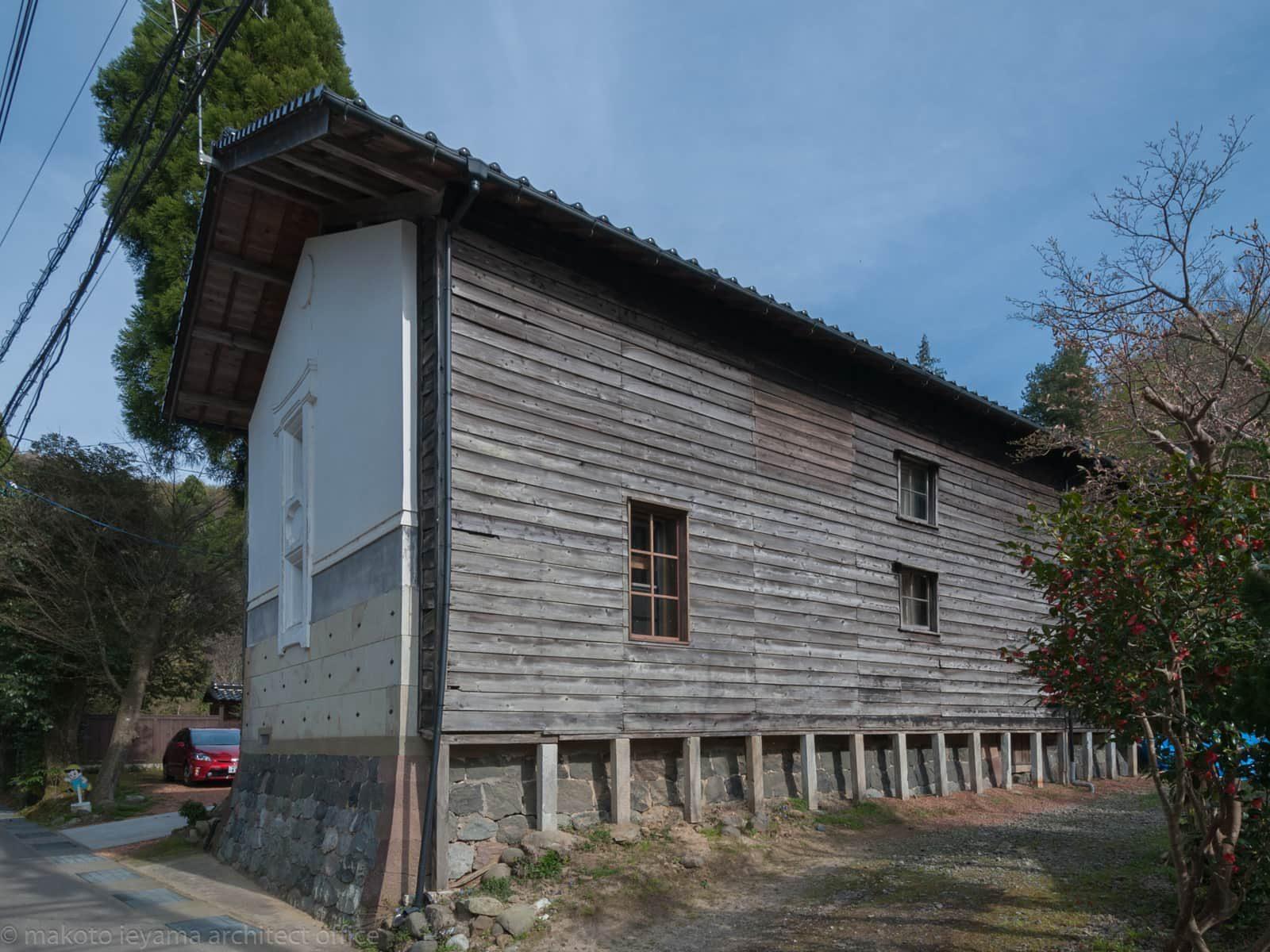 八幡の家 西側外観
