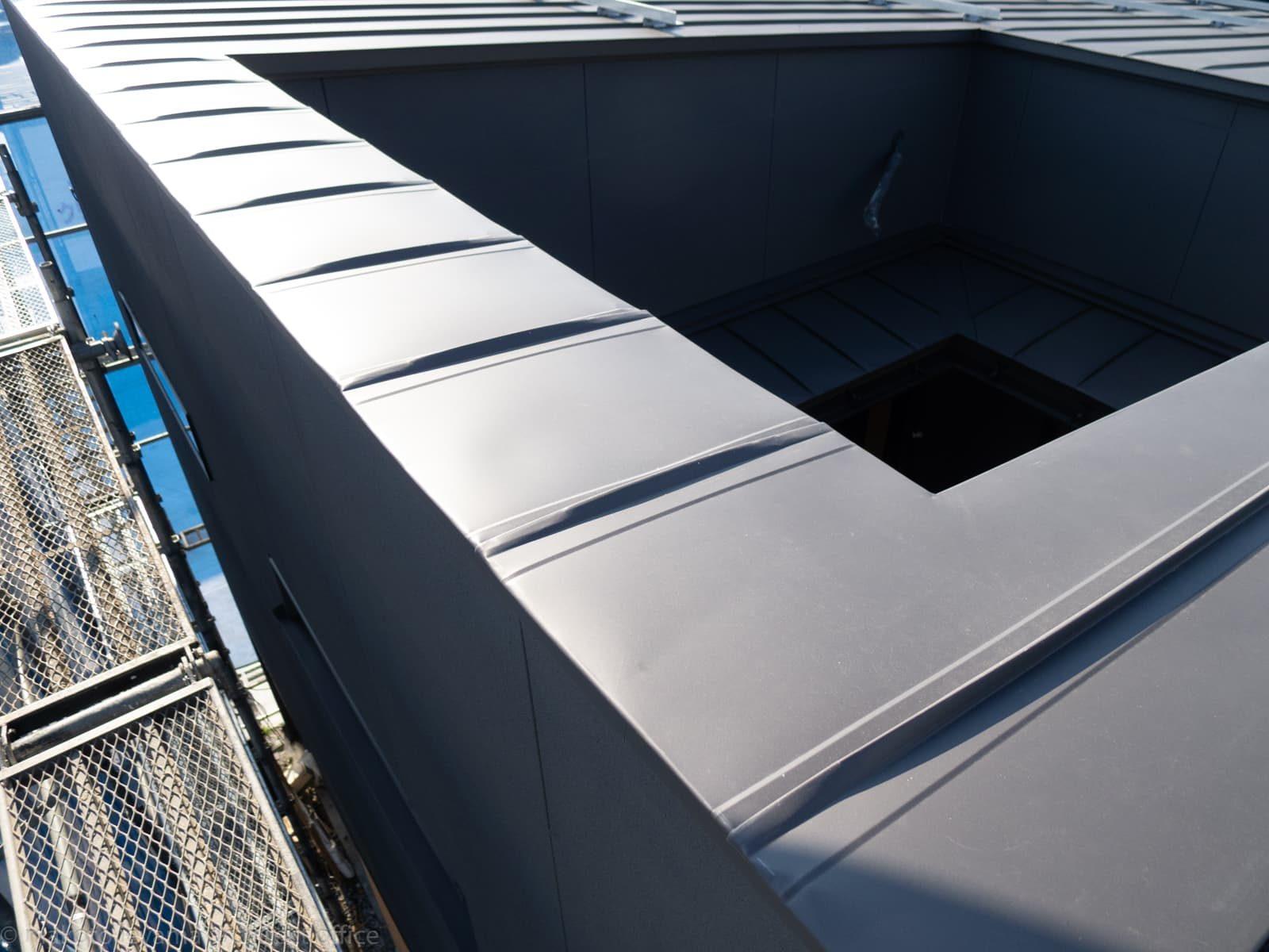 足場解体前の屋根チェック