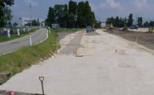 南砺市の家 計画道路建設中