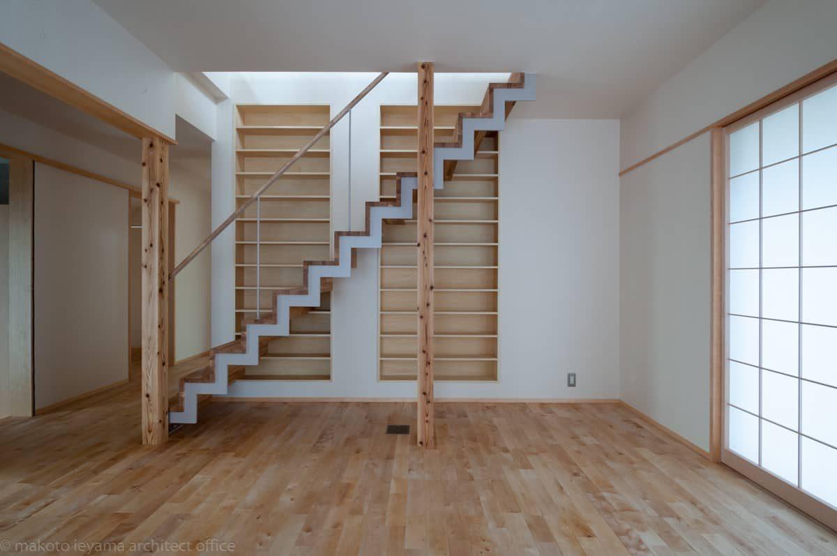 階段 鉄板のジグザグささら